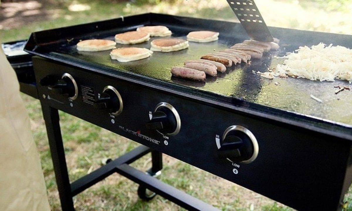 Top 7 Best Flat Top Gas Grills Reviews For 2021