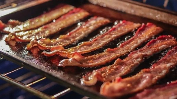 How-Long-to-Cook-Bacon-in-Oven