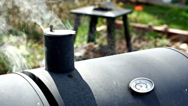 How to Control Temperature on Your Charcoal Smoker