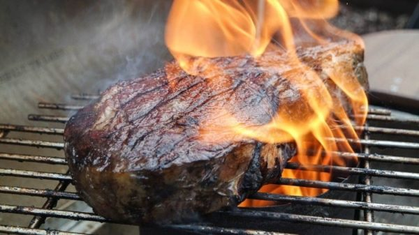How to Cook Afterburner Steaks on the Chimney