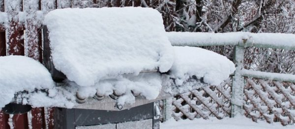 grilling-in-the-snow