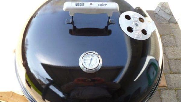 weber-grill-lid